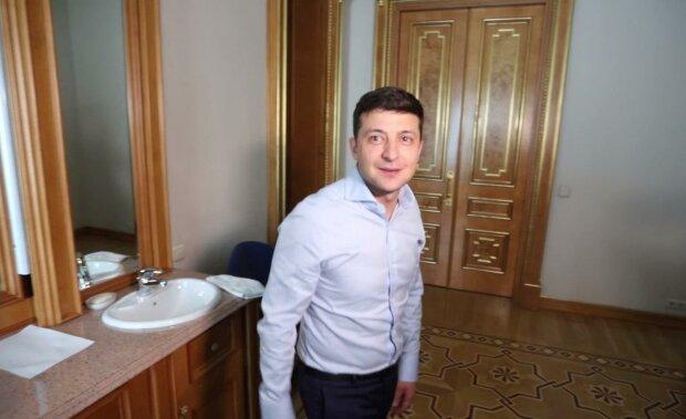 Тост от Разумкова, Тимошенко и сухое вино: день рождения Зеленского отгремел в столице