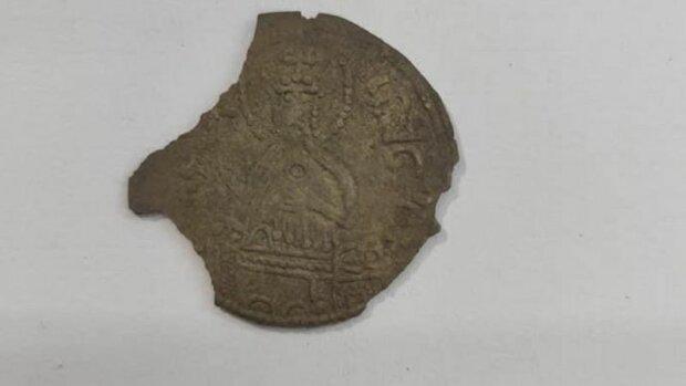 Незвичайний улов під Житомиром: 32 монети часів Київської Русі