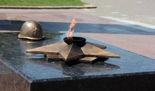 Черниговский вечный огонь отключили за долги