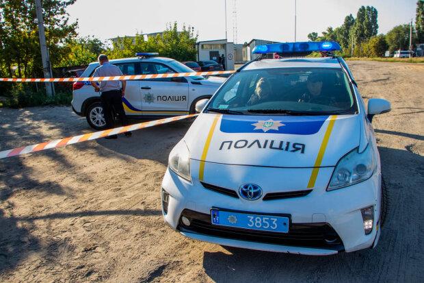 Лесной кошмар под Киевом: труп мужчины нашли среди деревьев, копы ломают головы