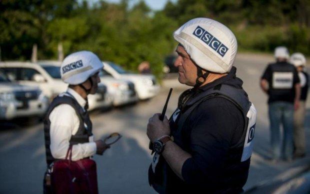 Патруль ОБСЕ попал под обстрел боевиков на Донбассе