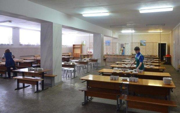 Школьный обед на Ровенщине закончился массовым отравлением