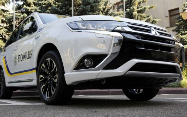 Гібридні Mitsubishi для копів прибули в Україну: фото