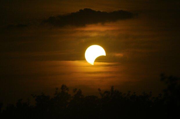 Солнечное затмение, фото: Pixabay