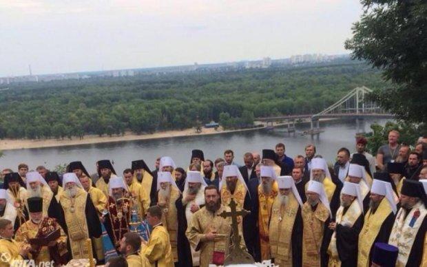 Шабаш московських попів: активісти ОУН поскаржилися на правоохоронців