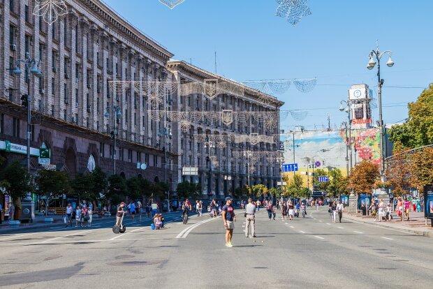 Архівні фото Хрещатика розлетілися мережею: як виглядала головна вулиця Києва 100 років тому