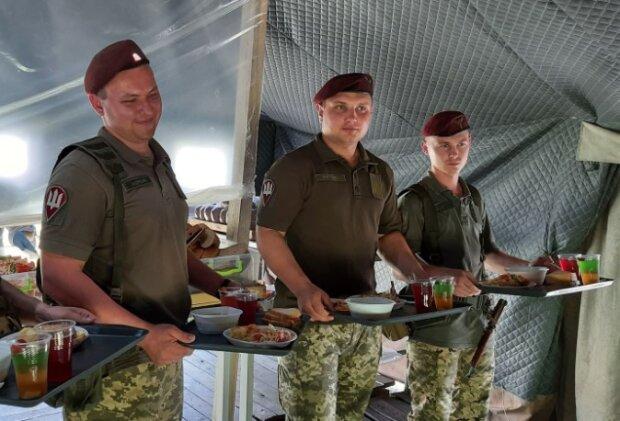 Українські крученики за солдатським рецептом - 95 бригада поділилася секретами улюбленої страви