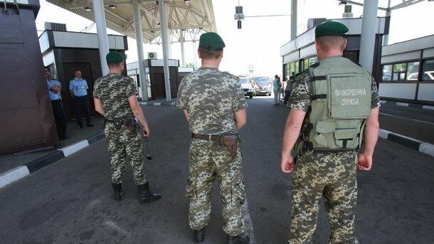 Схватили на границе: белорус пытался вывезти из Украины драгоценные святыни