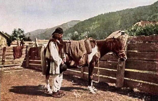 Жизнь украинцев ожила на столетних фото: девушки в веночках, отец с волами и невероятная природа