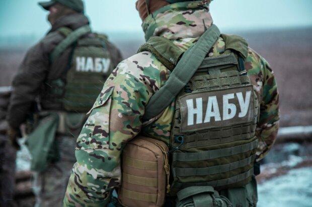 Полетіли голови: НАБУ затримало 10 осіб, причетних до махінацій на київській митниці