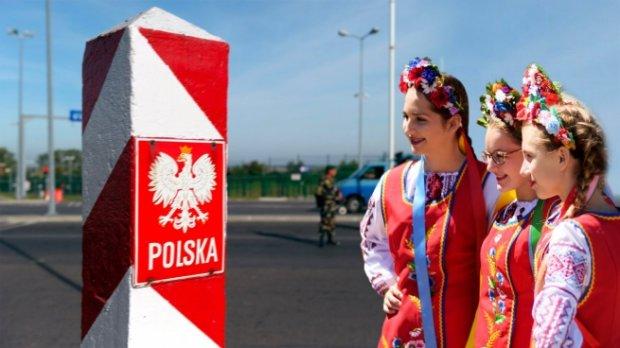 Українці гарячково скуповують нерухомість у Польщі: в чому причина