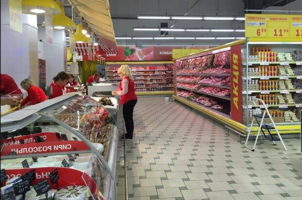 Прилавки супермаркету