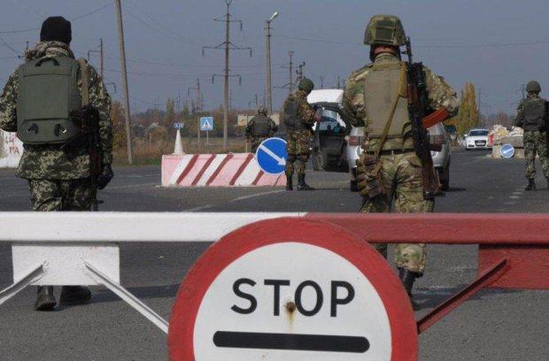 Террористы ЛНР и ДНР устроили настоящий ад на пунктах пропуска: жуткое видео