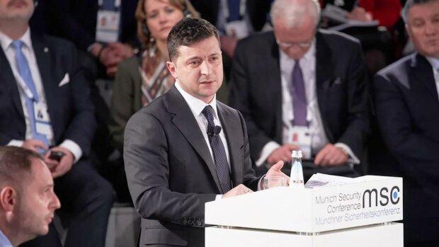 У Росії влаштували істерику після заяви Зеленського про проведення виборів у Криму