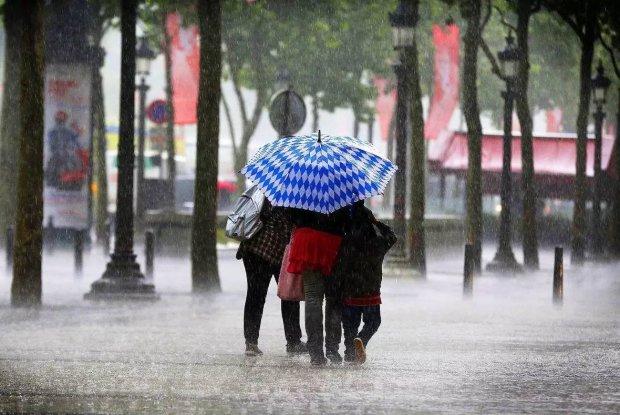 Погода на 29 июля: стихия помучает украинцев дождями и невыносимой жарой