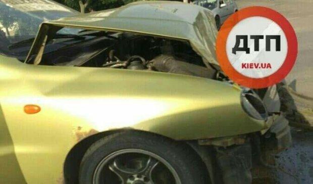 В Киеве пьяный водитель протаранил попутный автомобиль