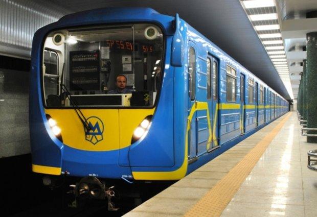 Столичный метрополитен получит сотню новых вагонов