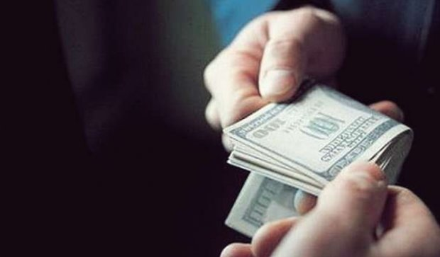 На Полтавщине следователя СБУ задержали на взятке в $ 1,8 тыcяч