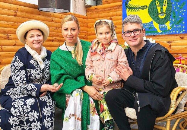 Нина Матвиенко с семьей, фото с Instagram