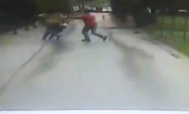 мужчина / скриншот из видео