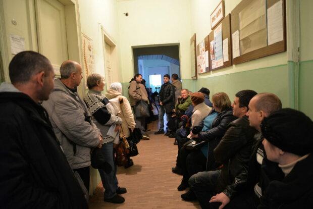 Очередь в больнице, фото - ternopil.news