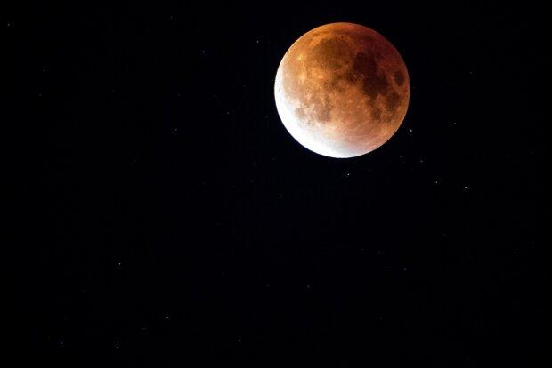 Красная луна, фото Pxhere