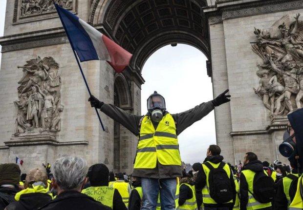 """""""Это катастрофа, кризис нации"""": во Франции считают убытки после протестов, от заоблачных цифр становится плохо"""