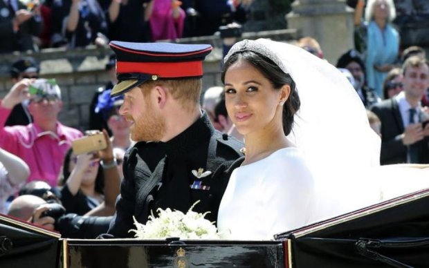 Навіть пику нікому не набили:  найкращі жарти про весілля принца Гаррі