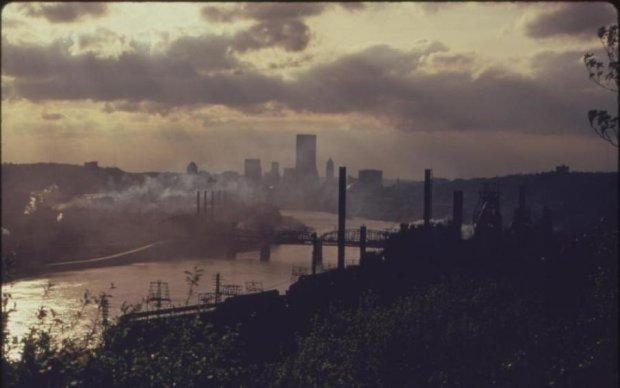 Города накрыл ядовитый дым: стало известно, кто виноват в катастрофе на Луганщине