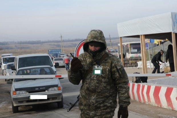 """Україна поступово бере Донбас під свій контроль: """"сіра зона"""" вже наша, незабаром повернемо усе"""