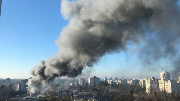Пожежа у Києві, фото: Інформатор