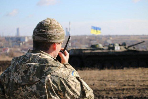 Адские сутки на Донбассе: боевики залили украинских героев запрещенным огнем, есть раненые