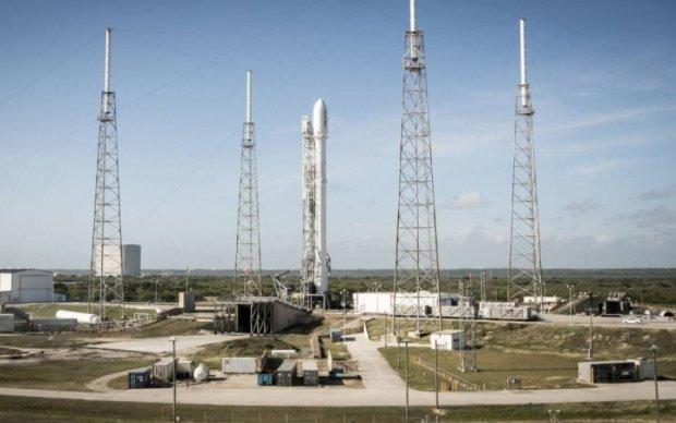 У Маска в останній момент перенесли старт ракети