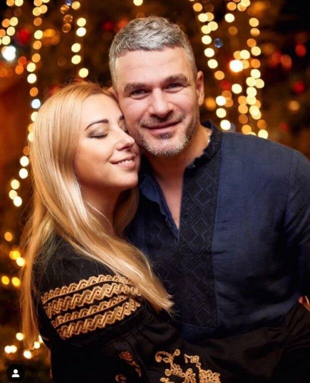 Тоня Матвієнко та Арсен Мірзоян зробили це в машині: нікого не соромляться