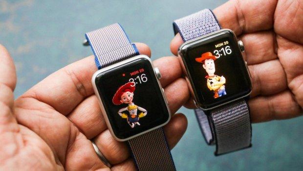 Подвійна камера і відеодзвінки: перші фішки Apple Watch злили в мережу