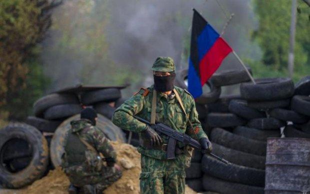 Одичавшие боевики избивают мирных жителей из-за еды