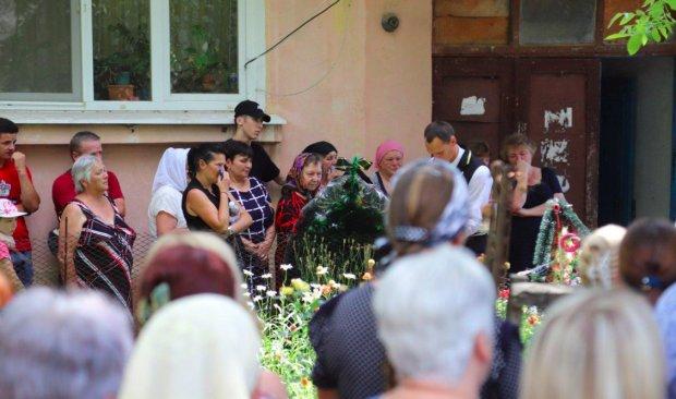 """Стали известны подробности о семье душегуба Даши Лукьяненко: """"Ходят с поднятой головой"""""""