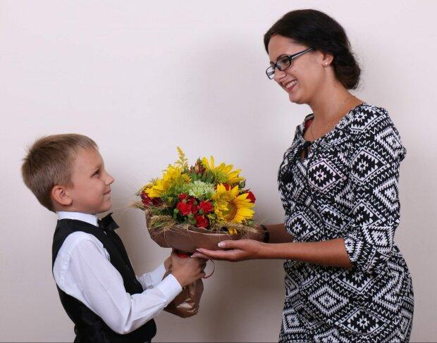 День учителя 2019: поздравления в прозе с праздником