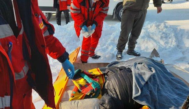 Гвардійці допомогли водієві в ДТП, фото: прес-служба ООС