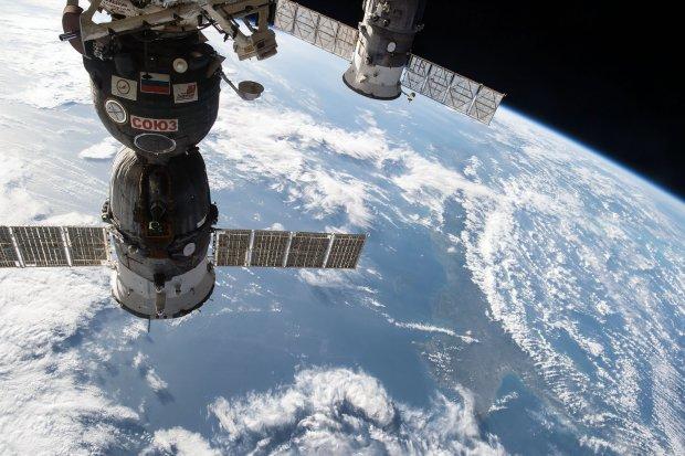 Могли задихнуться: Росію атакують навіть у космосі