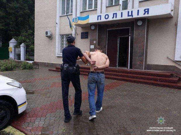 Душил и бил головой об стену: опасный преступник терроризирует киевлян