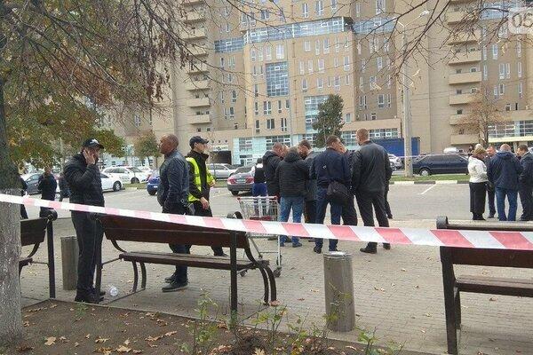 В Харькове стрельба со взрывами, копы несутся со всего города, - первые подробности и фото