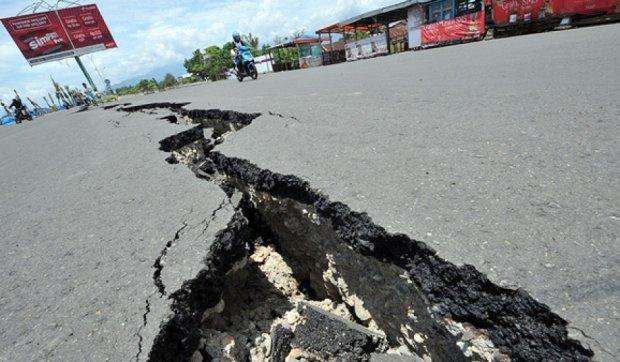 Более полусотни человек пострадали в землетрясении в Индонезии