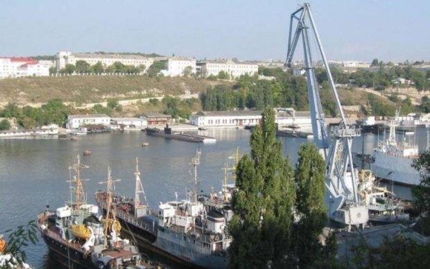 Флот РФ засмітил Південну бухту - тепер там можна добувати нафту