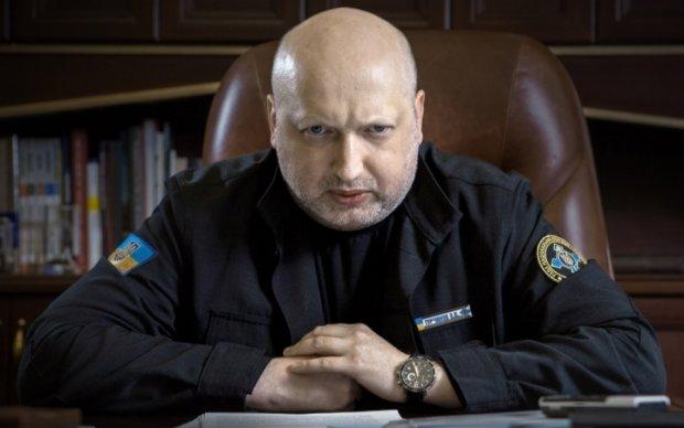 Турчинов анонсував інформаційний удар по окупантах