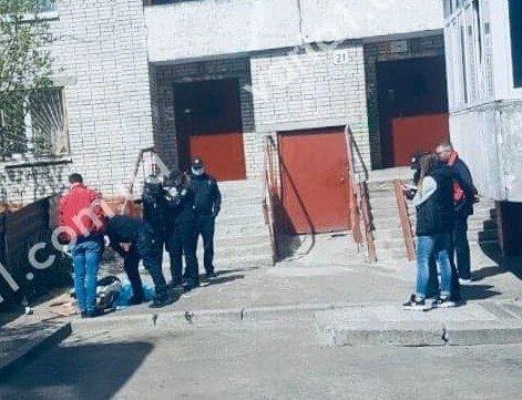 дівчина випала з вікна, фото: Варта-1