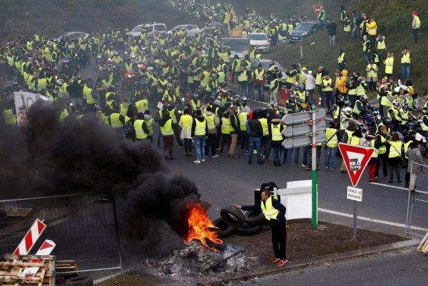 Газ, водометы, безумие и крики: протесты во Франции выходят из-под контроля