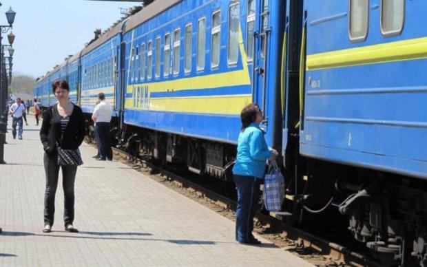 """Такого в жизни не видел: поездка Укрзализныцей вызвала """"культурный шок"""" у пассажиров"""