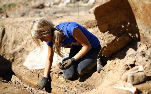Школьники наткнулись на останки древнего существа: фото