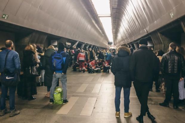 Трагедія у київському метро: мережу сколихнули моторошні кадри